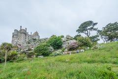Fästning och trädgårdar för monteringsSt Michael ö arkivbilder