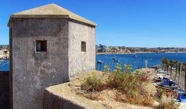 Fästning på kusten av Cascais Royaltyfri Bild