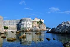 Fästningen av vaggar överst - fortet Bokar royaltyfri bild