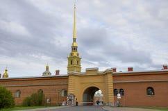 Fästningen i St Petersburg arkitektur Arkivfoto