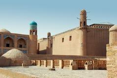 Fästningvägg i Bukhara, en forntida stad Royaltyfri Fotografi