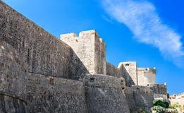 Fästningväggen av den gamla staden Arkivbild