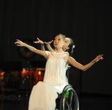 Få den befriade av-dansen musikalröda linjen Royaltyfri Fotografi
