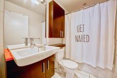 Få det nakna badrummet arkivfoton