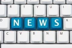 Få din nyheterna på internet Arkivfoto