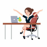 Få pengar från bärbar datorbildskärmskärmen - online-transaktion, lycklig kvinna för online-bankrörelseflicka Arkivbild