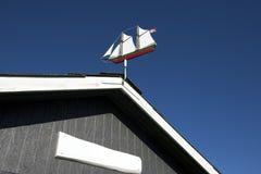 Fåfängt för väder som ett gammalt seglar skeppet Arkivfoto