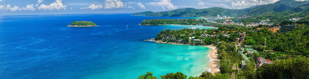 Fågel-öga panorama av den Phuket kustlinjen Arkivbild