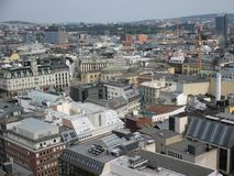 Fågel`-s-öga sikt av byggnader i i stadens centrum Oslo, Norge arkivfoton