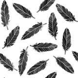 Fågelfjädrar som är sömlösa i svartvitt Arkivbild