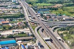 Fågelperspektiv på huvudvägen i den Bangkok närheten Royaltyfri Foto