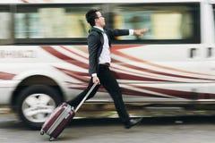 Fånga bussen royaltyfria foton