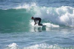 Fånga vågorna fotografering för bildbyråer