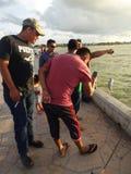 Fångade en liten fisk Arkivbilder