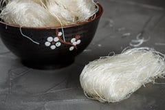 Fèves de mung en verre de nouilles d'amidon, pommes de terre, riz Photo stock