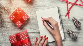 Félicitation avec les articles modernes, espace pour le message pour Noël et nouvelles vacances, vacances modernes de message Photos stock