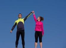Félicitez et heureux de finir la séance d'entraînement de matin Photographie stock libre de droits
