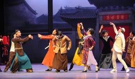 Félicitez l'acte d'amis-Le d'abord des événements de drame-Shawan de danse du passé Images libres de droits