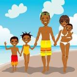 Férias afro-americanos da praia da família Fotos de Stock Royalty Free