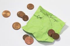 Férias canceladas incapaz de encontrar o dinheiro sucata lembrete pegajoso enrugado da nota imagem de stock