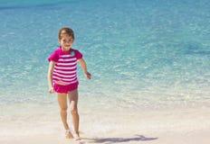 Férias da praia da família imagens de stock royalty free