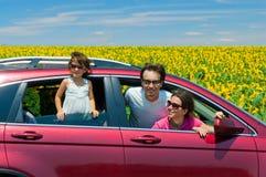 Férias de família, desengate do carro fotografia de stock royalty free
