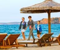 Férias de verão de Familys no mar Imagem de Stock Royalty Free