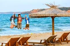 Férias de verão de Familys no mar Imagem de Stock