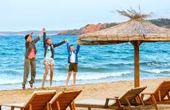Férias de verão de Familys no mar Foto de Stock