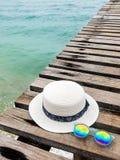 Férias em horas de verão no conceito da praia Acessórios da praia imagem de stock royalty free