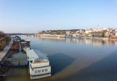 26 février 2017 - Belgrade, Serbie - vue vers Belgrade de pont du ` s de Branko au-dessus de la rivière Sava Photographie stock