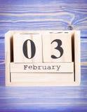 3 février Date du 3 février sur le calendrier en bois de cube Photographie stock libre de droits