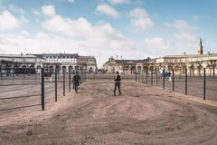 20 février 2019 denmark copenhague Adaptation s'exerçante de by-pass d'un cheval dans l'écurie royale du château Christiansborg photo stock