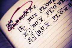 14 février, le Saint Valentin, achat fleurit le texte Photographie stock libre de droits