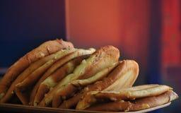 22 FÉVRIER 2017, LES EAU Nourriture douce cuite au four traditionnelle de pain de remous de dessert de vacances de gâteau d'autom Photos stock