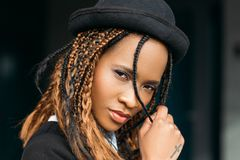 Fêmea afro-americano nova sedutor Imagem de Stock