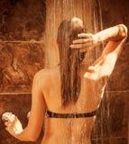 Fêmea bonito que toma o chuveiro Imagens de Stock Royalty Free
