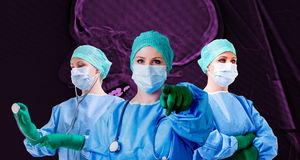 Fêmea do médico do crânio do raio X Foto de Stock Royalty Free