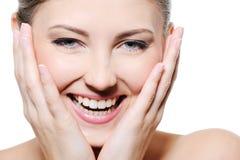 Fêmea feliz da beleza com a face limpa Fotos de Stock