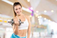 Fêmea muscular desportiva Fotografia de Stock