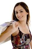 Fêmea nova com sacos de compra imagem de stock royalty free