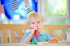 Fête d'anniversaire d'élève du cours préparatoire ou d'enfant en bas âge Photographie stock