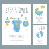 Fête de naissance pour la future mère de peu d'invitation de garçon dans le style plat illustration de vecteur