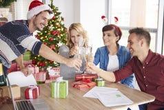 Fête de Noël au bureau Image libre de droits