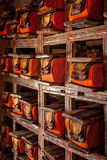 Fólios dos manuscritos no monastério budista tibetano fotografia de stock