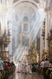 Fórmese en la iglesia del ` de St Thomas en Praga Fotografía de archivo