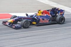 Fórmula 1 de Red Bull Renault que compite con a las personas Imagen de archivo