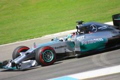 Fórmula 1 Mercedes Car da foto F1: Lewis Hamilton Fotografia de Stock Royalty Free