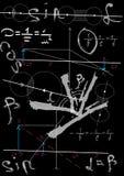 Fórmulas de la física que dibujan en consejo escolar negro Imagenes de archivo