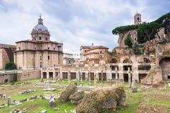 Fórum de Caesar em Roma fotografia de stock